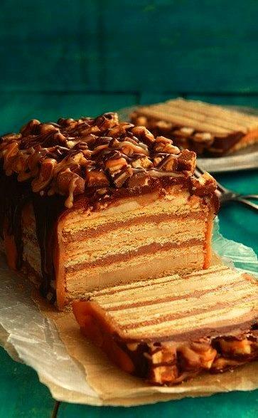 Snickers Cake. ( R E C I P E )