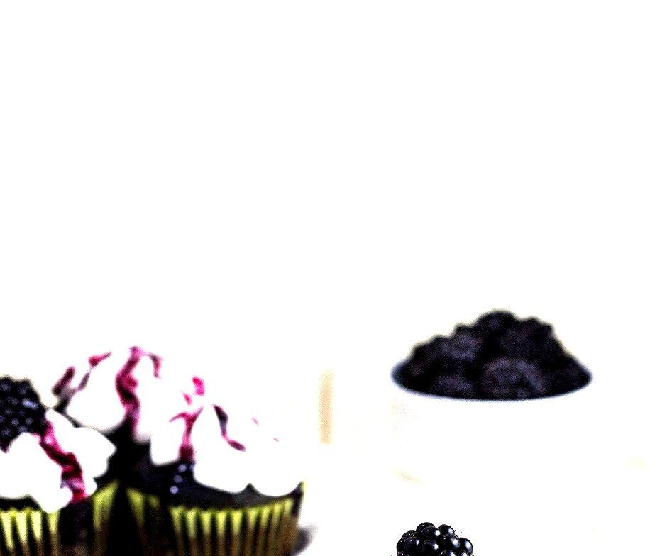 Recipe: Blackberry Cupcakes